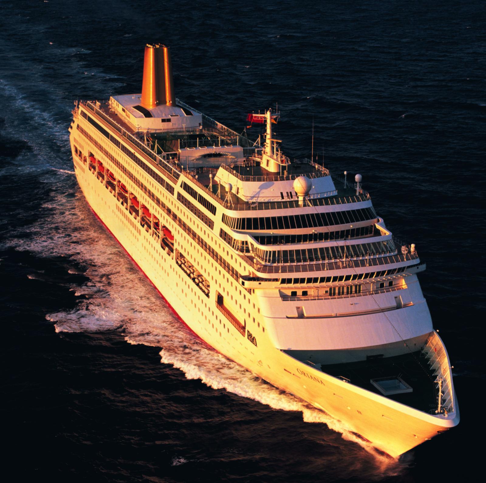 P&O Cruises Oriana cruise ship in Lisbon - YouTube